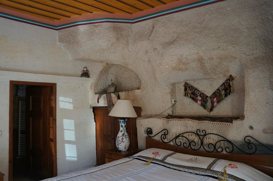 Cappadocia Cave Suites: Suite 113 Bedroom
