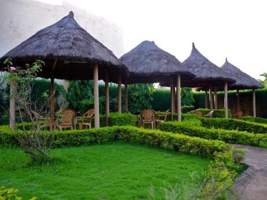 Hotel Le Baobab : Garden