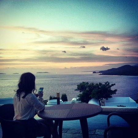 Bellarocca Island Resort and Spa: Outdoor dining
