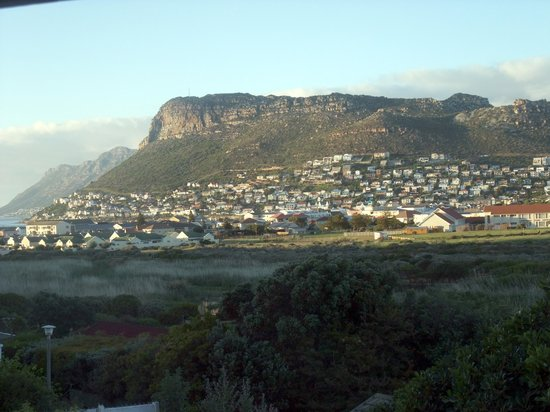 Clovelly Lodge Guest Apartments: View Fish Hoek & Simons Town from Clovelly Lodge