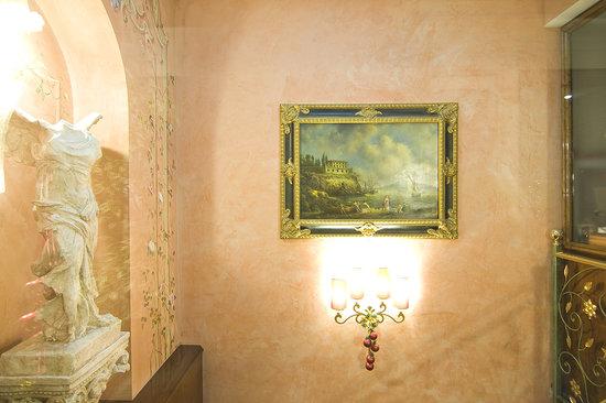 Hotel Vittoria: particolare scala 2