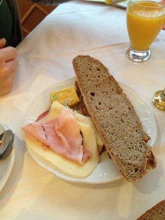 Hotel-Caf -Restaurant Matzelsdorfer Hof: colazione