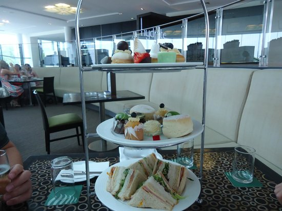 RACV Royal Pines Resort: HIGH TEA