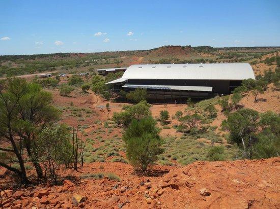 Australian Age of Dinosaurs : Lark Quarry