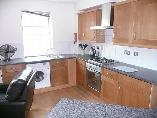 Home Court Serviced Apartments: Home Court Apartment 3 Kitchen