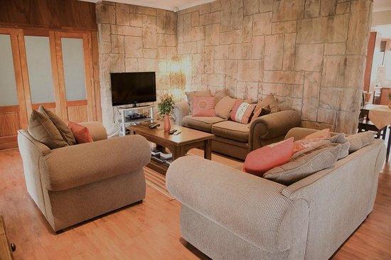 Cap Ou Pas Cap Guesthouse: Living 