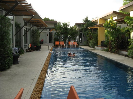 Phu NaNa Boutique Hotel : The swimming pool - Room 601 door is straight ahead