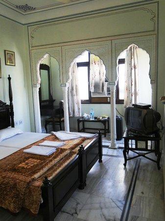 Krishna Palace: Zimmer 401