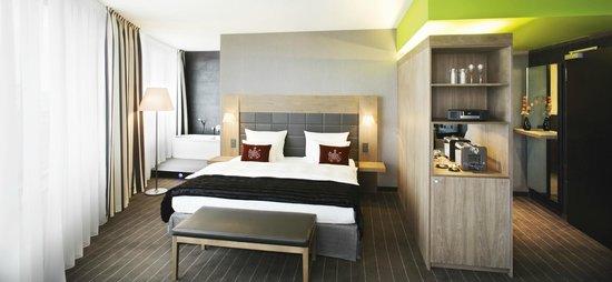Mövenpick Hotel Stuttgart Airport: Junior Suite