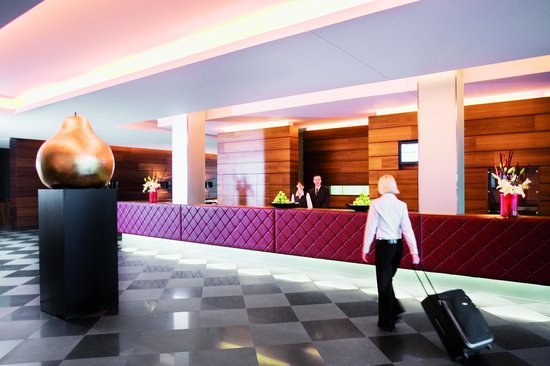 Mövenpick Hotel Stuttgart Airport & Messe: Reception