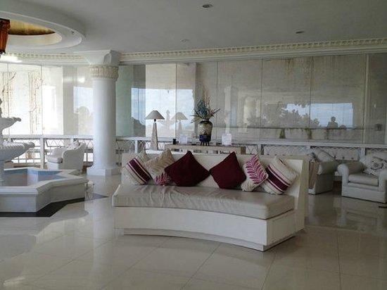 Estancia Resort: Lobby