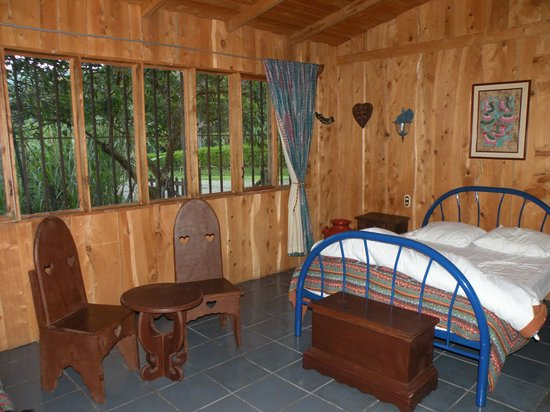 Cabinas Cecilia: Chambre spacieuse