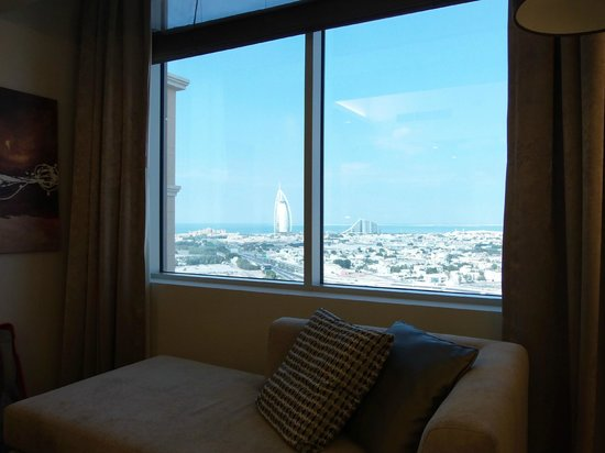 Sheraton Dubai Mall of the Emirates Hotel: Burk al Arab view of 21st floor only for executive rooms