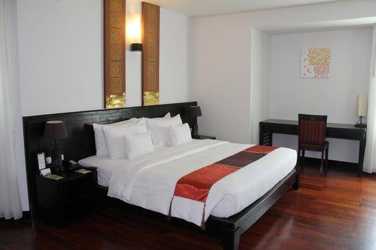 Tara Angkor Hotel: Bedroom