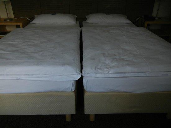 """Hotel PrimaVera Parco: Einzelne """"Doppel""""-Betten rutschen nachts auseinander"""