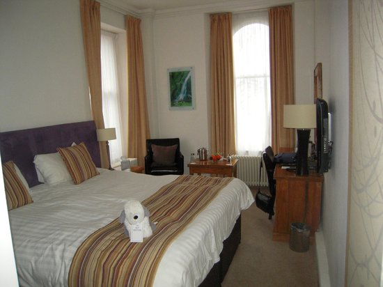 Waterhead Hotel: our room 11