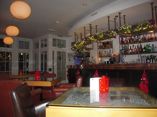 Waterhead Hotel: bar