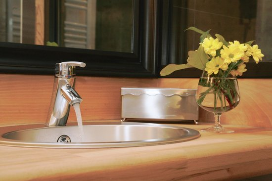 La salle de bain picture of la belle epoque sansac de for Belle salle de bain