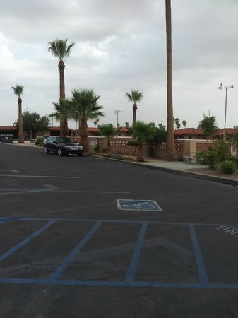 El Rancho Dolores Motel : parking