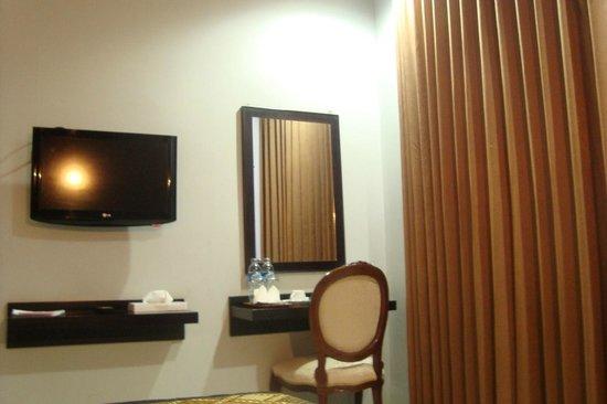 Riez Palace: fasilitas kamar tipe deluxe