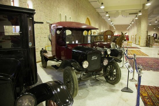 Sheikh Faisal Bin Qassim Al Thani Museum: Cars on display