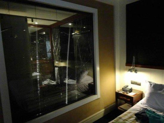 U232 Hotel: Room