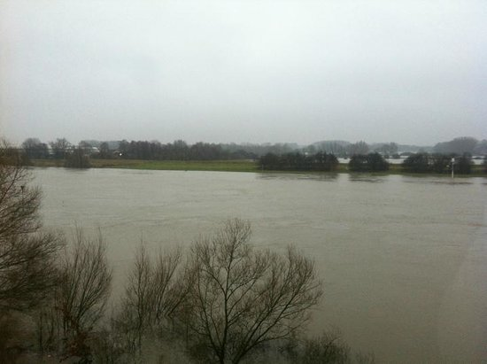 NH Arnhem Rijnhotel : View from the room, unfortunately with boring weather