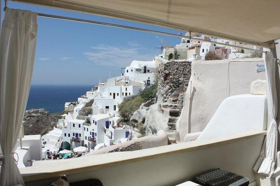 Art Maisons Luxury Santorini Hotels Aspaki & Oia Castle: dal terrazzo della stanza