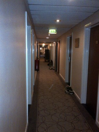 Hilton Milton Keynes: Late-Afternoon: The third floor hallway littered with breakfast dishes