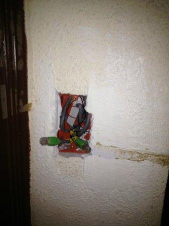 Oxford Hotel: room doorbells