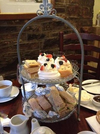 The Black Swan: afternoon tea