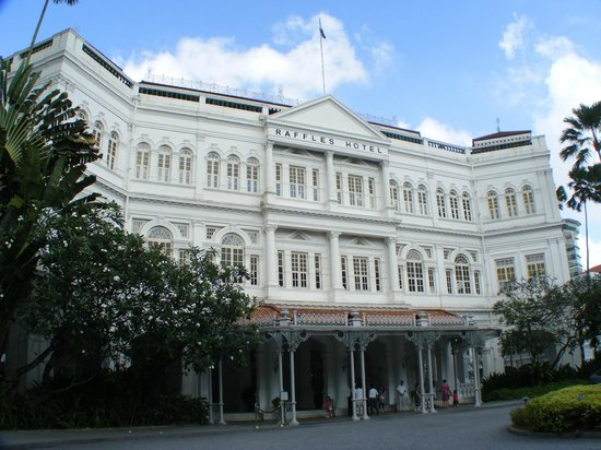 Hotel Royal at Queens: Raffles is a short walk from the hotel