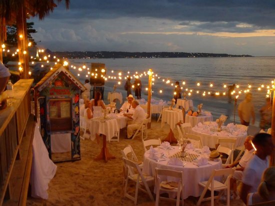 Sea Splash Resort: Wedding Reception on the beach