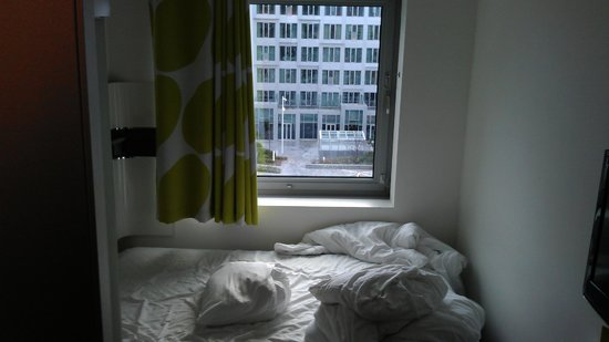 Wakeup Copenhagen Carsten Niebuhrs Gade: Room with view of Tivoli Hotel