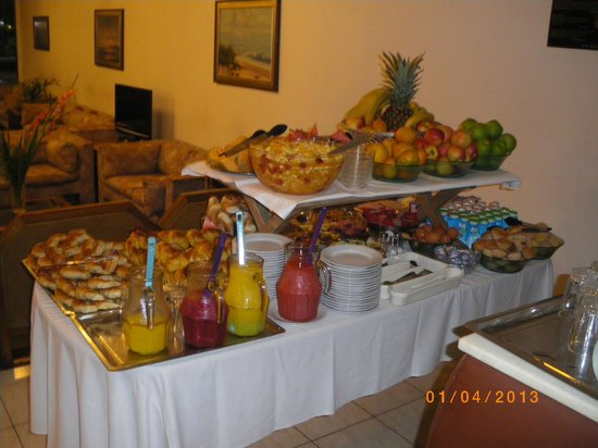 Hotel Balfer: Check out this great h reakfast buffet. Freshly squeezed orange juice, fresh fruit, coissants, .