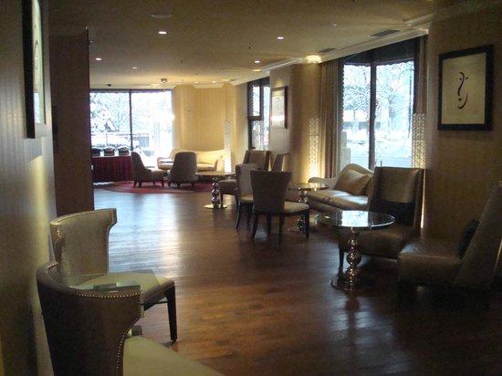 Renaissance Des Moines Savery Hotel: Room 1008