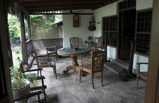 Motty's Homestay: lounge