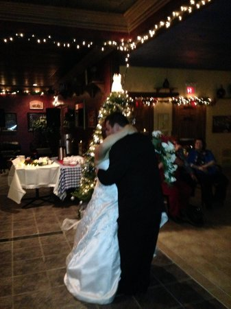 Mama Soula's: Our first dance! The area was spacious enough to have a blast there!!