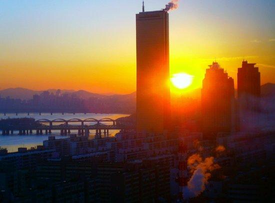 Conrad Seoul: Sunrise