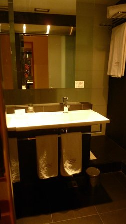 Best Western Plus Hotel Alfa Aeropuerto : bathroom