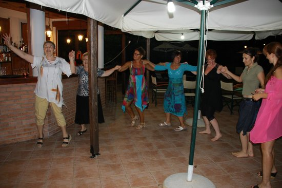 Hotel Peli: Nauka tańca z gospodarzami
