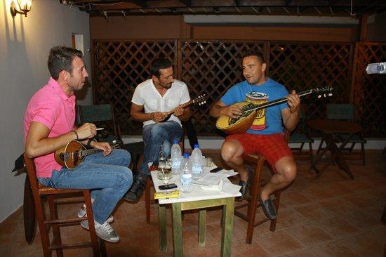 Hotel Peli: Muzyka na żywo