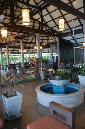 Merit Wellness & Mind Retreat Resort Samui: reception desk