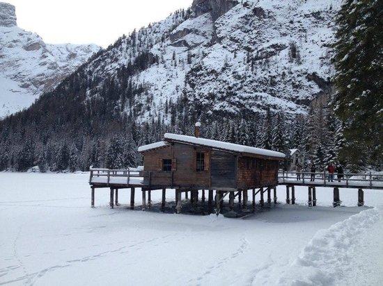 Casa sul lago famosa per il film ad un passo dal cielo for Disegni casa sul lago
