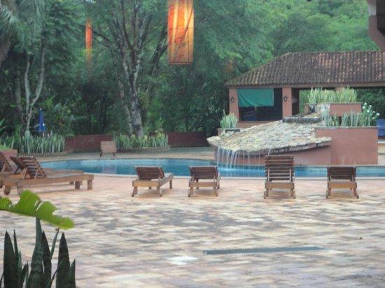 Marcopolo Suites Iguazu: Parque y Pileta genial