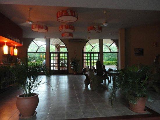 Marcopolo Suites Iguazu: Recepción