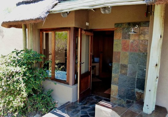 Rhulani Safari Lodge: Outdoor Shower