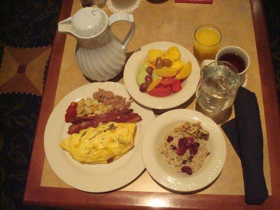 هيلتون جاردن إن لارامي: Breakfast