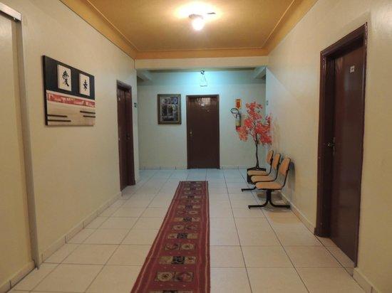 Oft Place Hotel: Corredor de acesso ao quarto