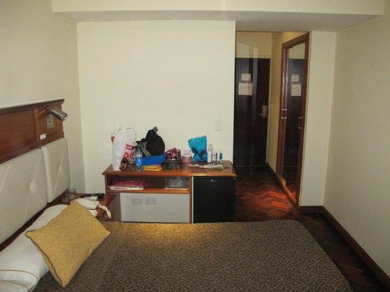 Embajador Hotel: Quarto
